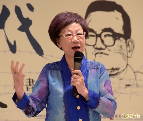 前副總統呂秀蓮今天在臉書上發佈影片,針對習進平的工作報告提出她的看法。呂秀蓮認為,習進平的工作報告顯示,中共在一個中國的前提下,願意與台灣領導人交流會晤,且也回應蔡英文總統多次強調維持現狀,和「只承認『九二會談』的歷史事實」的說詞。(資料照,記者黃耀徵攝)