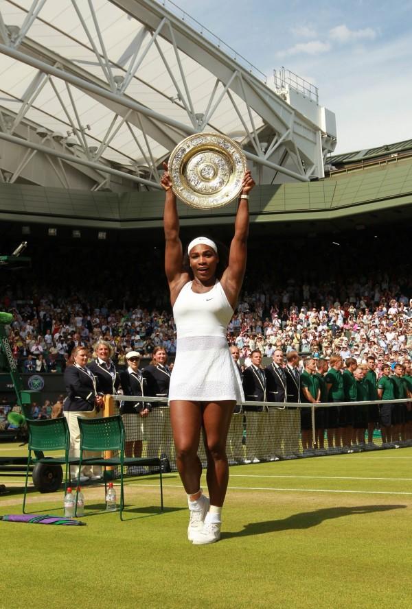 小威廉絲(Serena Williams)在溫網封后,成為大滿貫史上最老的女單冠軍。(法新社)