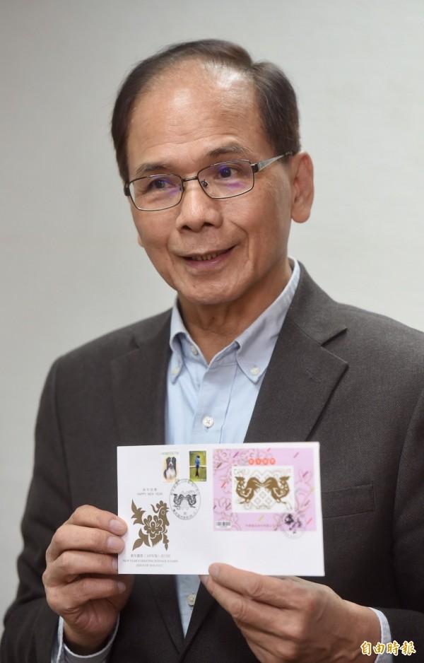 前行政院長游錫堃將率團參加美國總統川普就職典禮,並準備台灣郵票當伴手禮。(記者簡榮豐攝)
