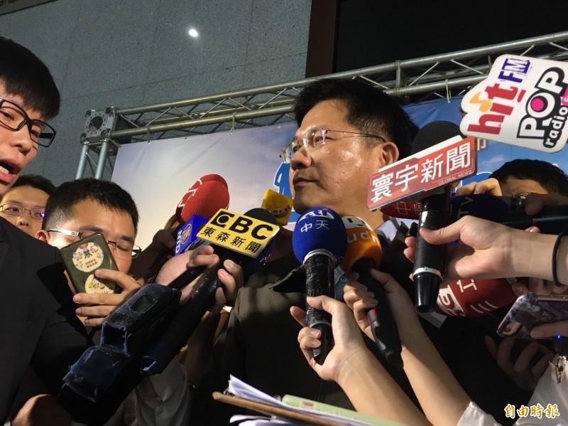 交通部長林佳龍(圖)震怒華航涉走私菸,下午派政次王國材進駐華航調查。(資料照)