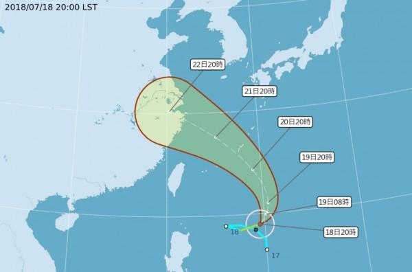 中央氣象局指出,輕度颱風安比目前正以每小時10公里速度向東北行進,颱風中心氣壓 為998百帕,近中心最大風速每秒18公尺,瞬間之最大陣風每秒25公尺。(圖擷取自中央氣象局)