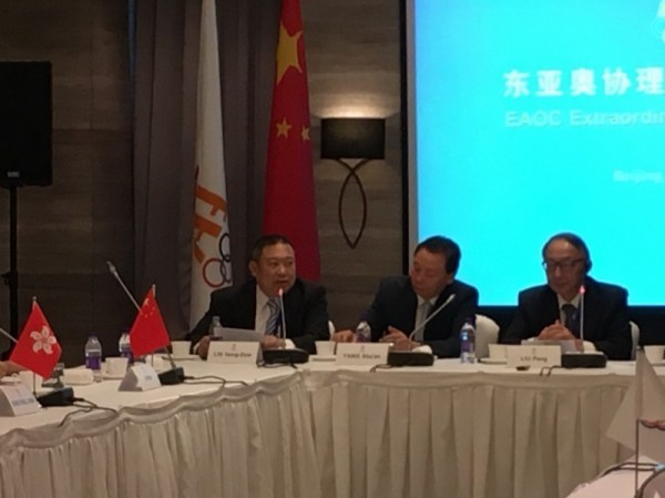 東亞理事會今天早上開會,中華奧會主席林鴻道(左一)於會議中發言。(中華奧會提供)