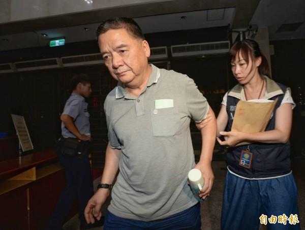 前美麗華總經理賴粵興今晚移送北檢複訊。(記者林正堃攝)