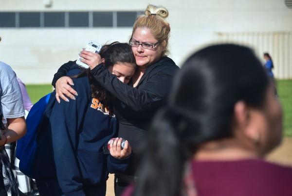美洛杉磯校園爆發槍擊案,警方調查後表示,這起事件應是意外。(法新社)