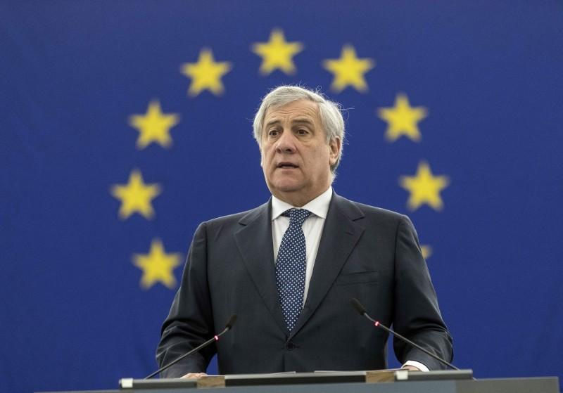 歐洲議會議長塔亞尼(Antonio Tajani)因吹捧義大利獨裁者墨索里尼(Benito Mussolini)而被要求下台,他於週四(14日)發表道歉聲明。(美聯社)
