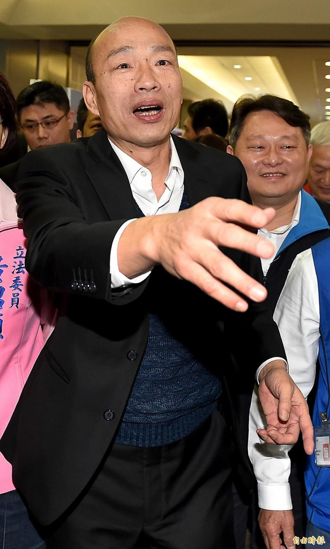 范世平感嘆「韓國瑜可聰明了」,如果最後韓民調第一,當然就黃袍加身,但他沒有參加黨內初選,沒有背棄高雄市民,是「被迫」成為總統候選人;如果他不是民調第一,韓粉肯定叫他脫黨參選,他反正沒參加黨內初選,脫黨參選不算是輸不起。(資料照)
