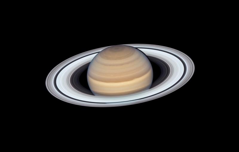 哈伯望遠鏡近日公布一張土星最新照片,其清晰景象,令人驚嘆。(歐新社)