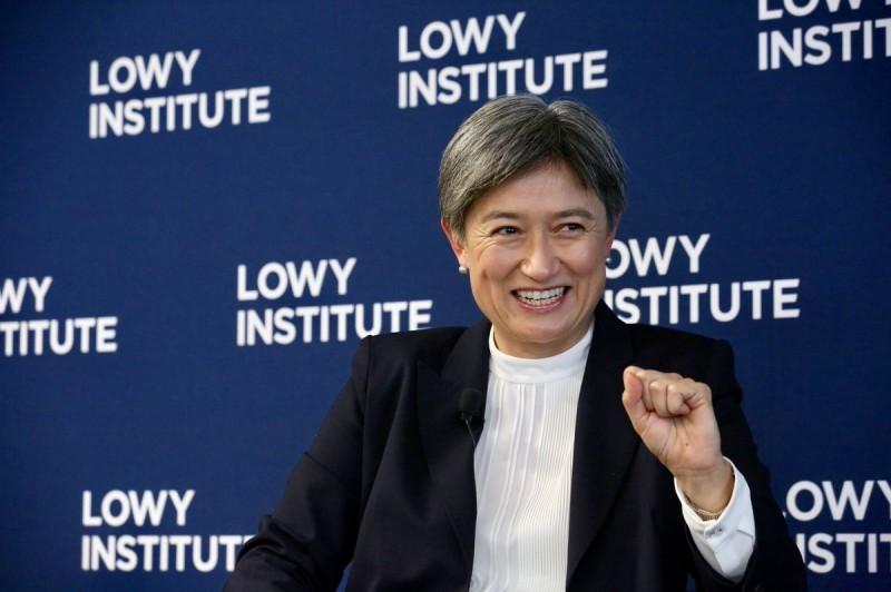 現任澳洲參議員的黃英賢,將可能成為該國第一位亞裔女同性戀外交部長。(圖擷取自Twitter@SenatorWong)