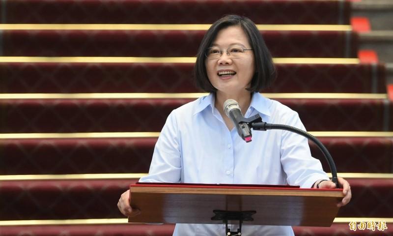 總統蔡英文表示,中國全國政協主席汪洋的講話證實中國確實對我國媒體施加壓力,這對台灣的民主及新聞自由是很大的干擾,對此我們要加以譴責,也會請國安單位持續掌握。(記者劉信德攝)