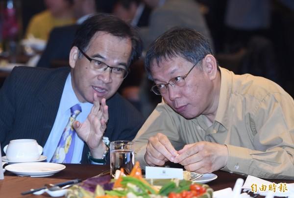 蘇煥智(左)未來可能是柯文哲的對手。(資料照)