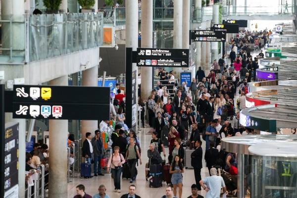 泰國內閣週二(8日)批准,延長落地簽免費措施至4月30日。圖為曼谷蘇凡納布國際機場。(路透)