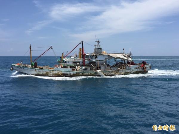 既使遭飛彈擊中,「翔利昇號」外籍漁工仍選擇留台。(資料照,記者陳鈺馥攝)