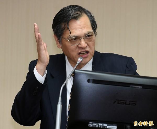 陳明通表示,陸委會目前正研議,領有中國居住證的台灣人不得參選、投票。(記者朱沛雄攝)