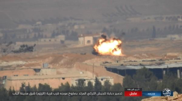 豹2坦克遭擊毀瞬間。(圖擷自敘利亞HALAB電視台Twitter)