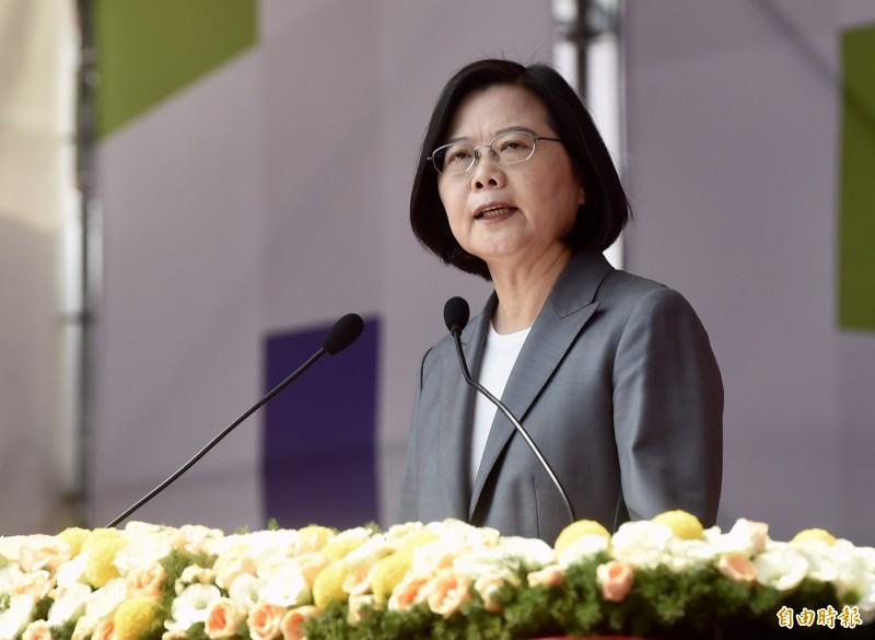 蔡英文總統在國慶大會致詞,揭示國家未來三大路線,強調堅守自由民主的價值、持續壯大台灣。(記者簡榮豐攝)