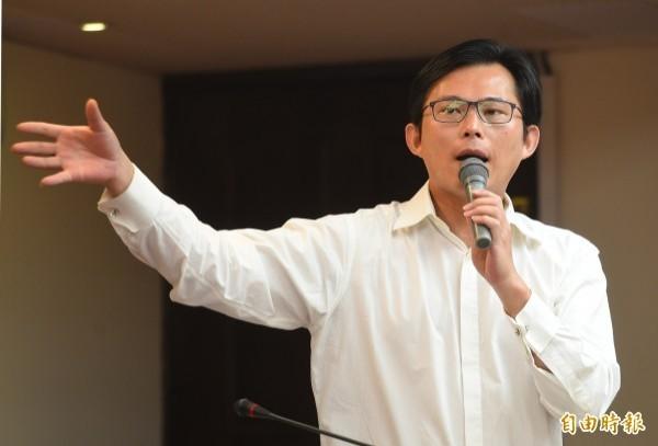 黃國昌希望林佳龍上任後,能夠換掉台鐵局長。(資料照)