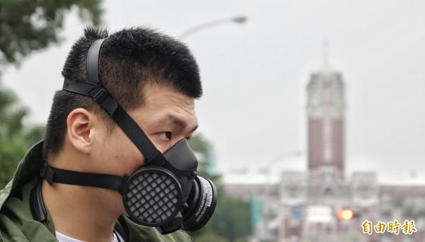 依據空氣污染防制法第33條,環保署今日預告訂定「空氣污染防制專責單位或人員設置及管理辦法」,以規範空氣污染防制專責單位或人員應盡之責任。(資料照,記者劉信德攝)