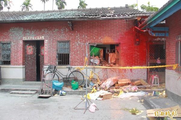 楊男老家被氣憤民眾搗毀噴漆。(資料照)