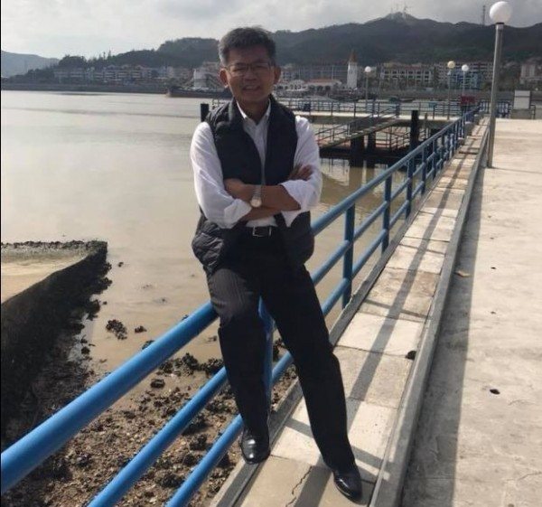 楊秋興日前到澳門散心,並在臉書表示,「吹吹海風遠離台灣的政治紛擾多棒」。(圖擷取自楊秋興臉書)
