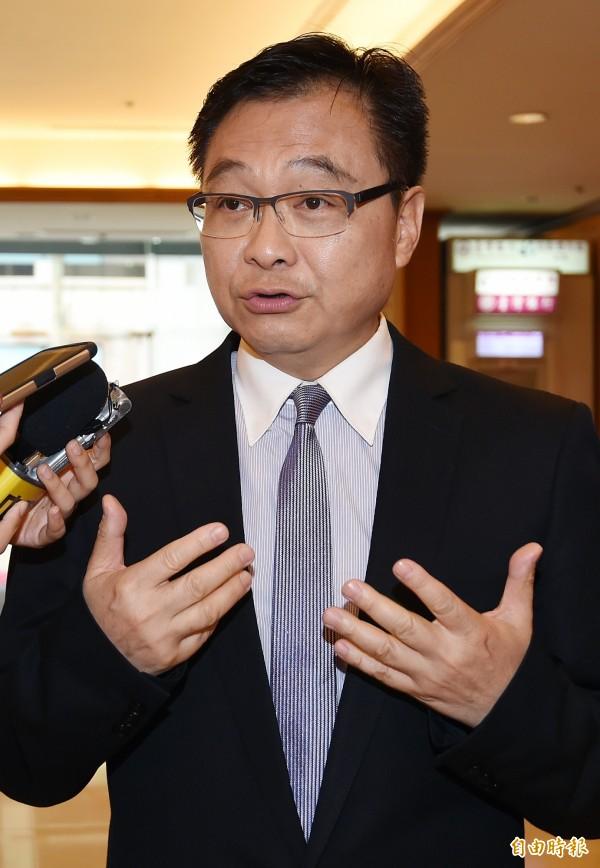 中國國民黨今天舉行考紀會,開除不分區立委紀國棟等5名黨員,紀國棟說,自己是跟民意站在一起的,所以「心安理得」。(記者廖振輝攝)