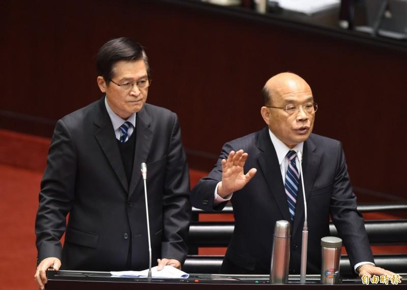 立法院院會,行政院長蘇貞昌(右)、國防部長嚴德發(左)備詢。(記者王藝菘攝)