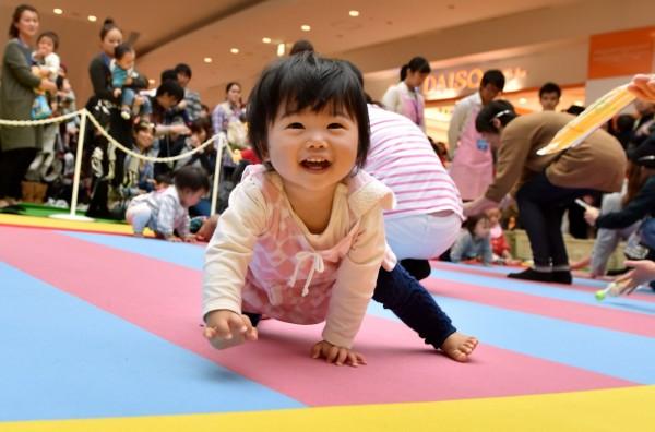 日本平成年間這30年裡,新生兒最熱門的名字分別是男生的「翔太」和女生的「美咲」。(法新社)