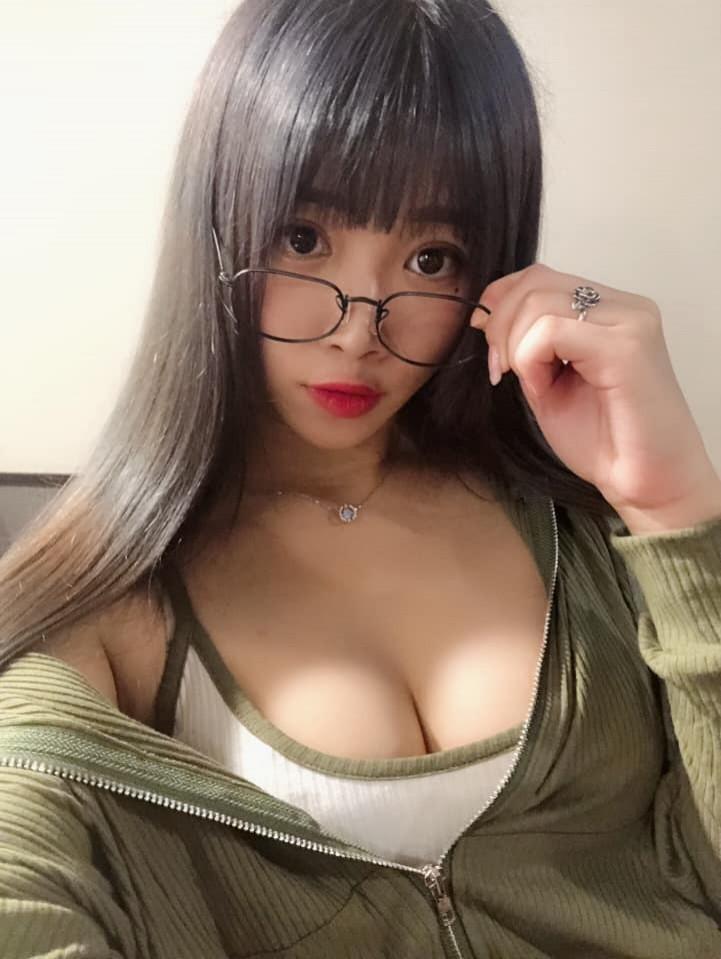 有網友神出照片中的妹子,是一名網紅名叫陳幽。(圖擷取自陳幽臉書)