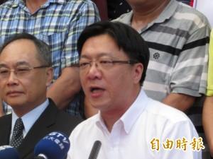 黃景泰提出逾7萬份連署書 揚言打死不退
