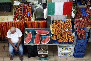 義大利物價45年來首度降 失業率近40年新高