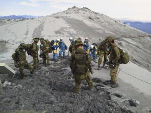 御嶽山爆發死亡增至51人 16人下落不明