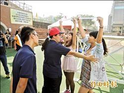 南榕廣場爭議週年 成大生校慶抗議