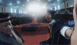 畢典台上自拍 馬來西亞大學生失去畢業資格