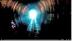 進隧道瞄到母子 司機減速防悲劇