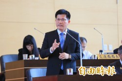 林佳龍呼籲:教育部不要強推課綱