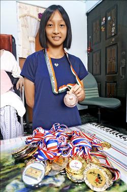 角力賽獎金 少女想助越南母返鄉
