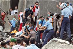 印尼軍機墜民宅 全機罹難116死