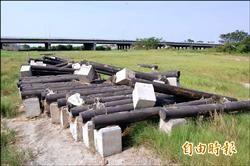 烏龍工程有前例 千萬單車木棧道 剛驗收就被沖走