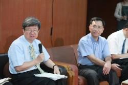學生砲轟王曉波 吳思華護航:不要批判特定委員