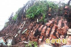 嘉縣「吳杯初濟生病院」 遭颱風吹垮
