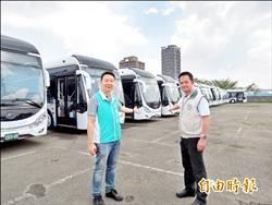 32輛雙節公車停擺月餘 議員批浪費