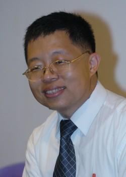 管仁健批楊實秋:別再坐眷村觀台灣了!