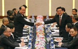 台灣將政黨輪替 中方再打恐嚇牌╱陳德銘︰兩岸關係不會一帆風順