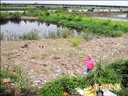 廢家具、農藥罐 壯圍農地淪垃圾場