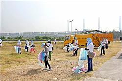 發電廠淨灘 清出五千公斤垃圾