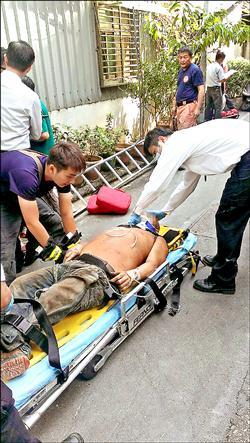 墜工地鋼筋插背 工人掙扎起身噴血亡