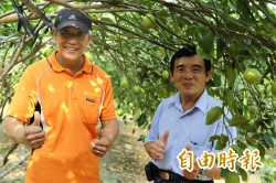 種檸檬也要「做好做滿」 竹田產銷班與生技公司契作簽約
