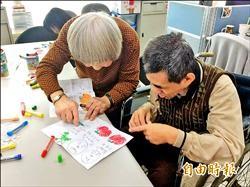 協助身障雙老家庭 社局拓點