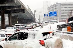 暴雪創紀錄 烏魯木齊「紅色警戒」