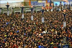 中國春運 人潮擠爆廣州車站