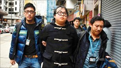 香港旺角衝突 扣暴動罪抓學生